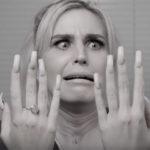 ongles longs et coupe menstruelle