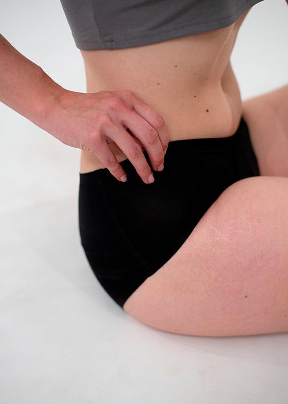 culotte menstruelle sans couture couleur noire pour flux moyen