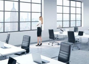 attendre seule au bureau pour vider sa cup
